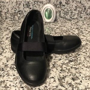Skechers Relaxed Fit Cooled Memory Foam
